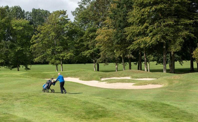 BVB Landscaping aanleg golfbaan substraat dresszand bunkerzand green